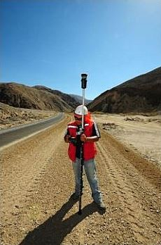 Engineer using Trimble TSC3 Controller